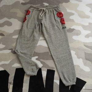 👖$18 IF BUNDLE . Vs Pink pants